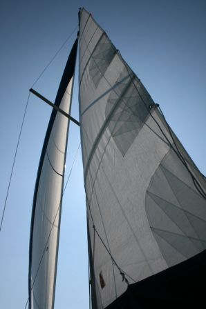 Sous_voiles.jpg